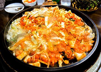 春川浪漫市場的辣炒雞排