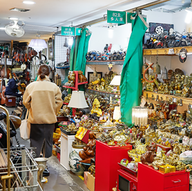 伝統市場でビンテージショッピング