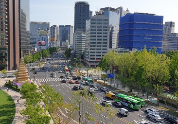 Enjoy a Walking or Bicycle Trip at Sejong-daero Saramsup-gil in Seoul
