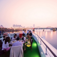 Enjoy a K-Pop Performance Aboard the Hangang River Cruise!