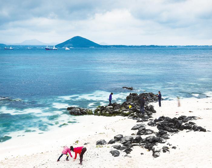 White sand of Seobin Baeksa Beach