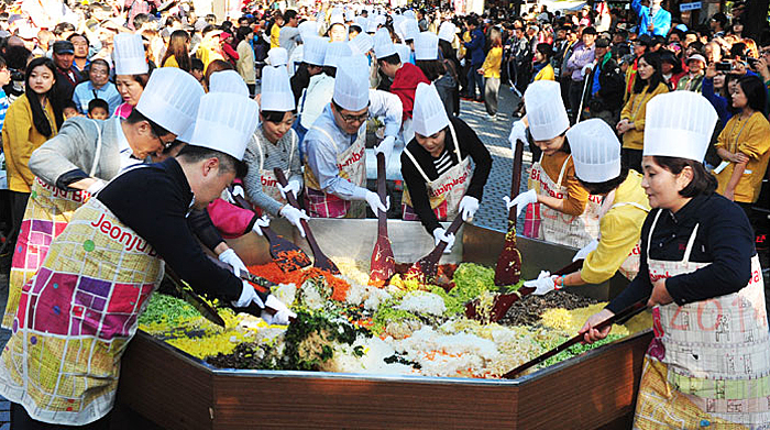 Photo credit: Jeonju Bibimbap Festival