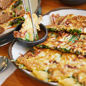 Hike to eat! Top 3 must-try foods after a hike in the city