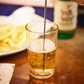 Las medidas perfectas para el somaek, combinación de soju y cerveza