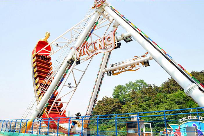 Аттракционы и фестивали в парках развлечений в Корее_image02