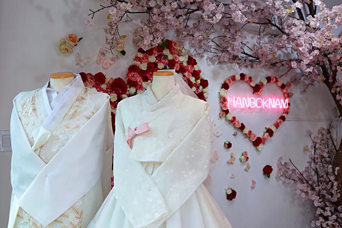 Бесплатное посещение королевского дворца в традиционном наряде ханбок_image01