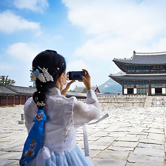 Бесплатное посещение королевского дворца в традиционном наряде ханбок