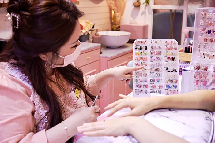делаем маникюр в корейском маникюрном салоне_image02