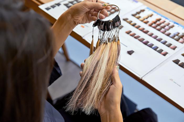 Neue Frisur in einem_image02