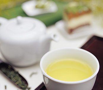 緑茶(右)