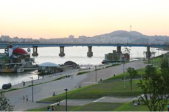 トゥクソム漢江公園の全景
