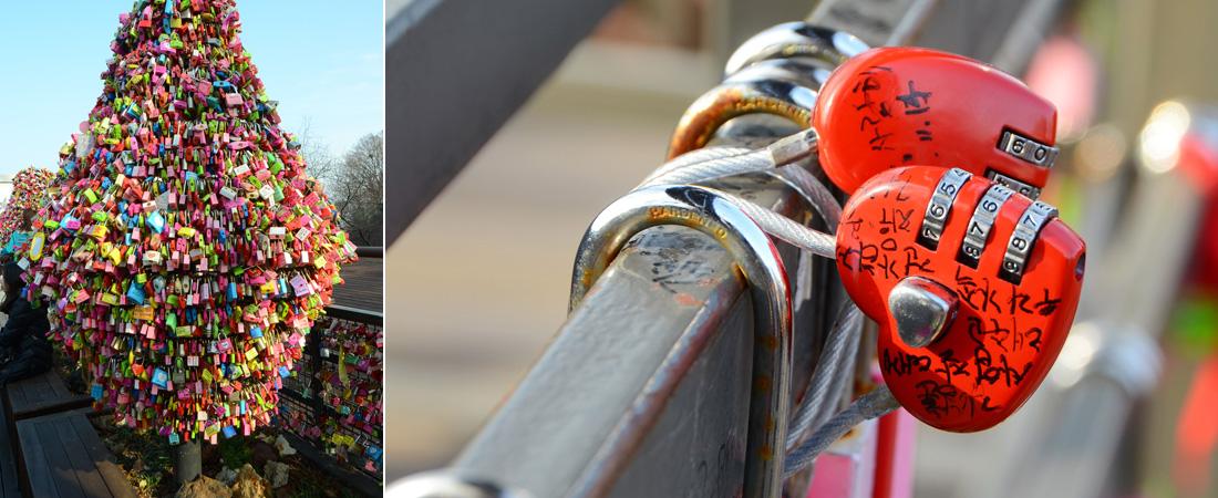 좌)사랑의 자물쇠가 빼곡하게 걸린 트리, 우)손 글씨가 적힌 붉은색 사랑의 자물쇠