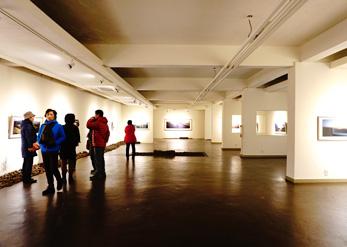 Галерея внутри (снизу слева)