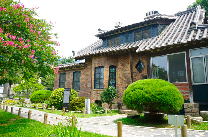 Фото) Дом американского миссионера Чемнис