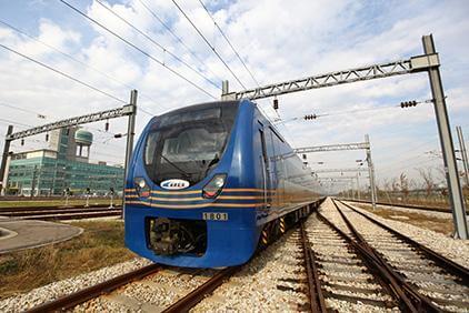Vista del exterior del Tren directo (Cortesía de AREX).
