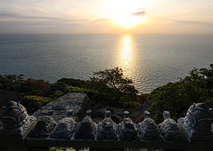Amanecer desde la ermita Hyangiram