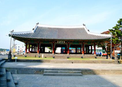 Pabellón Gwandeokjeong