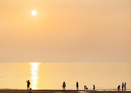 Atardecer desde la Playa Ihoteu