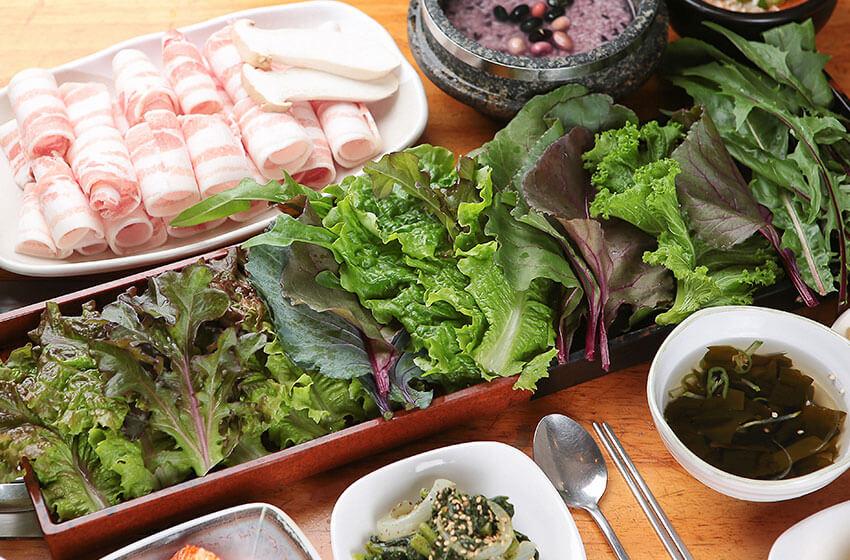 """""""Hoe"""" (pescado o carne crudos), """"Ssam"""" (envoltorios de hojas de vegetales), """"Muk"""" (gelatina) – Las Cocinas Únicas de Corea"""
