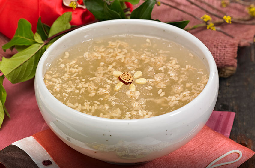 """""""Sikhye"""" (bebida dulce de arroz), disfrutado por el rey Gojong"""