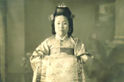 """""""Sanggung"""" Han Hee-sun"""