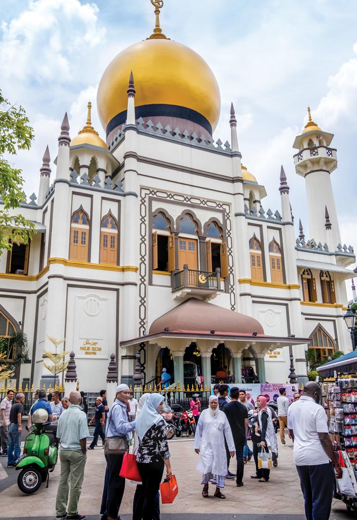 싱가포르 술탄 모스크 앞 풍경