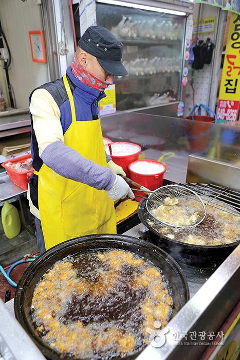 중앙시장 금성배니닭강정