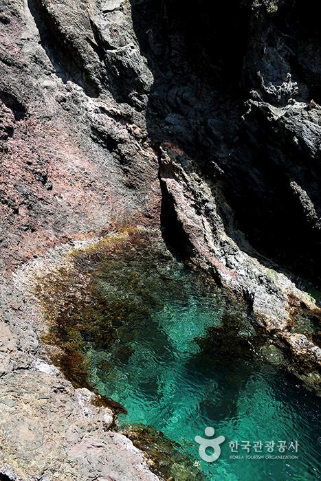 울릉도 행남해안산책로 물빛