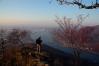 초겨울 장쾌한 검단산의 낙옆길을 자박자박 걷다.
