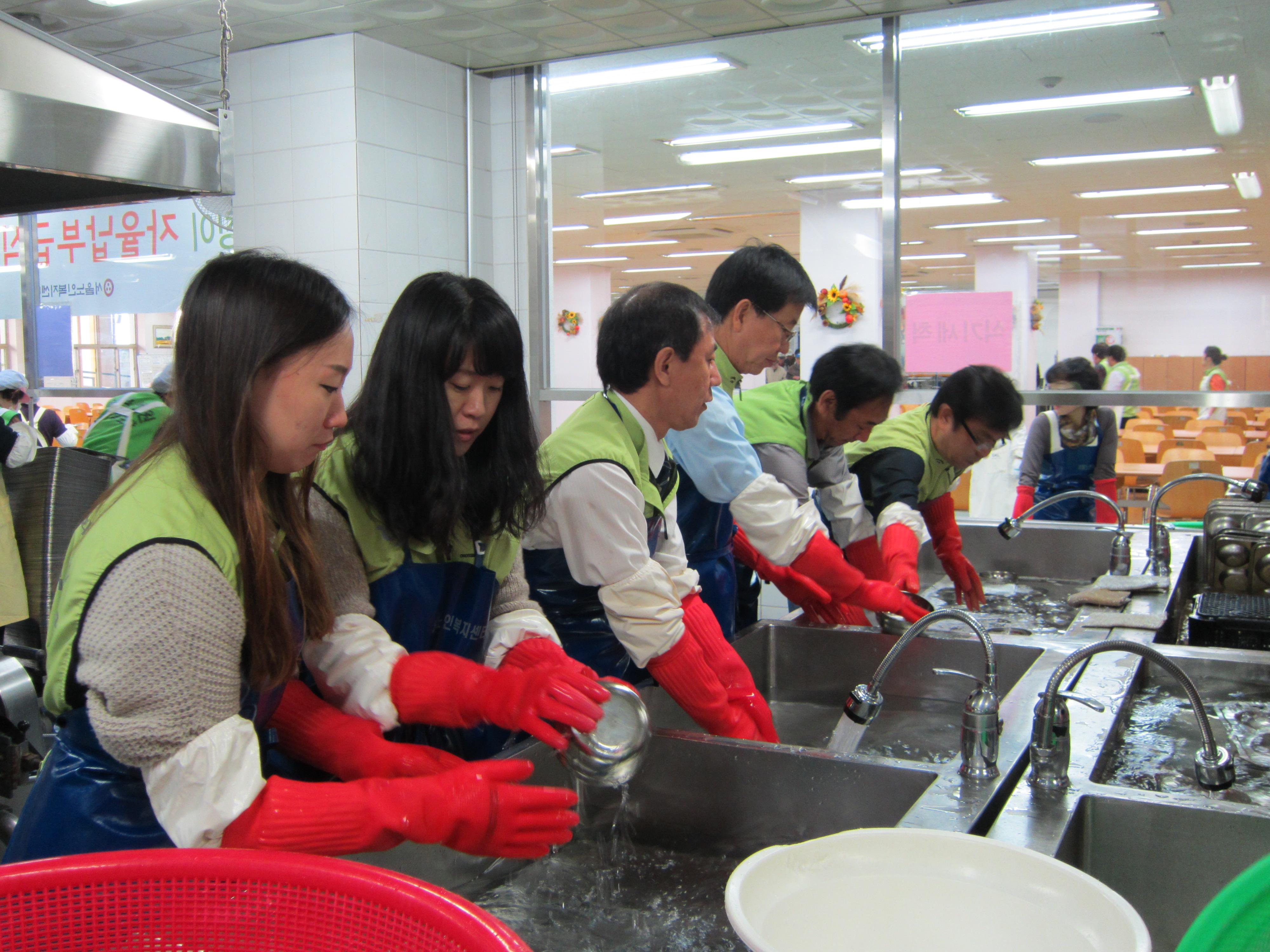 [큰이미지]설거지 봉사 1