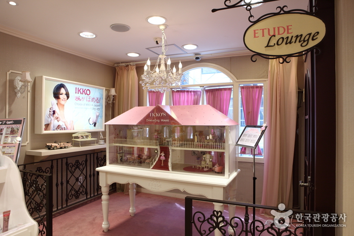 interior designs for homes pictures etude house myeong dong no 1 branch 에뛰드하우스 명동1호점 24474